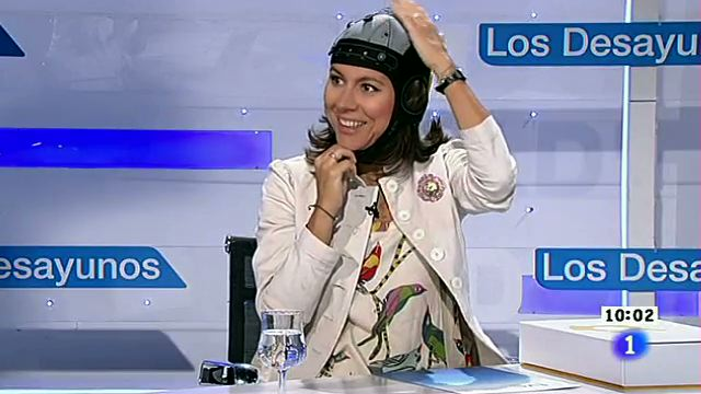 Ana Maiques wearing her Enobio
